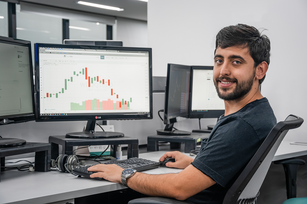 André França, Analista de Qualidade de Estratégias na SmarttBot